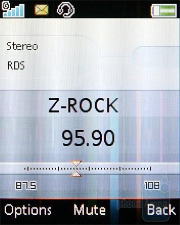 FM Radio - Sony Ericsson W302 Review