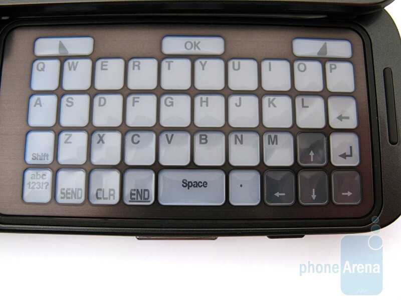 The E-ink keyboard of the Samsung Alias 2 U750 - Samsung Alias 2 U750 Review