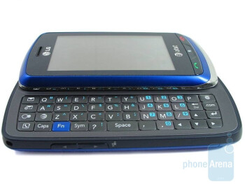 The keys of the QWERTY are small - LG Xenon GR500 Review