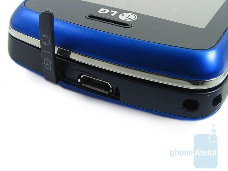 microUSB port - LG Xenon GR500 Review