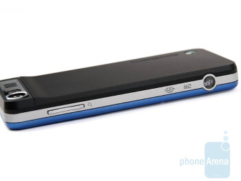 The Sony Ericsson S302 is shiny and slim - Sony Ericsson S302 Review