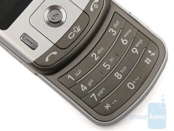 The numeric keypad and navigation keys of the LG KC780 - LG KC780 Review