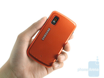 Holding the Samsung Magnet a257 in your hand feels natural thanks to the back cover having a soft matte feel - Samsung Magnet a257 Review