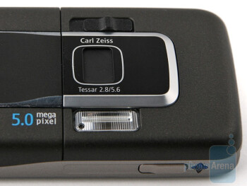The 5-megapixel camera on the back of the Nokia 6220 classic - Nokia 6220 classic Review