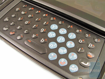 The QWERTY keyboard of the T-Mobile Sidekick LX - T-Mobile Sidekick LX Review