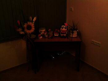 Low light - Indoor samples - HTC Touch Pro2 Review