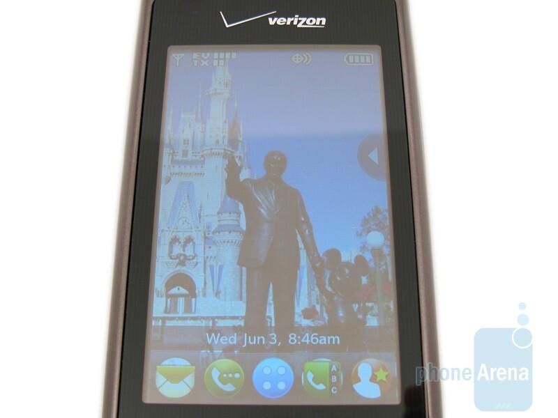 "LG enV Touch VX11000 has a light sensor for the external touchscreen display""&nbsp - LG enV Touch VX11000 Review"