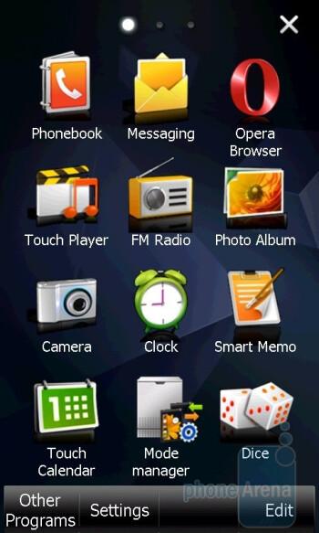 The main menu of Samsung Giorgio Armani B7620 houses up to five separate screens where you can place applications - Samsung Giorgio Armani B7620 Preview