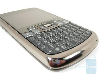 The Samsung Jack i637 has a chrome-like bezel around the edges - Samsung Jack i637 Review