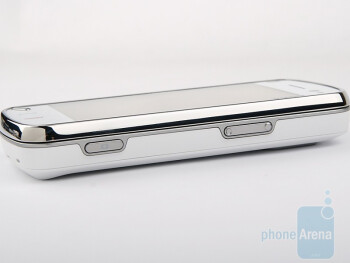 Right side - Nokia N97 Review
