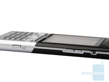 Right - Sony Ericsson T700 Review