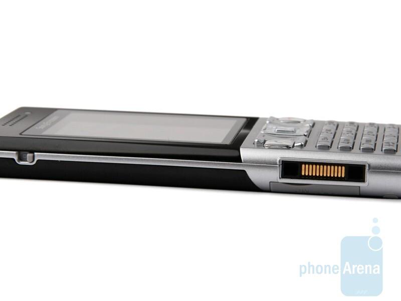 Left - Sony Ericsson T700 Review