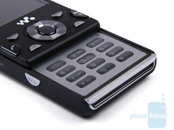 The keypad of Sony Ericsson W995 is easy to use - Sony Ericsson W995 Review
