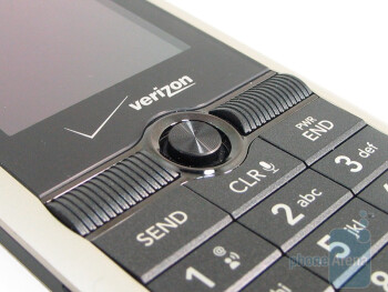 The keypad of LG Glance VX7100 - LG Glance VX7100 Review