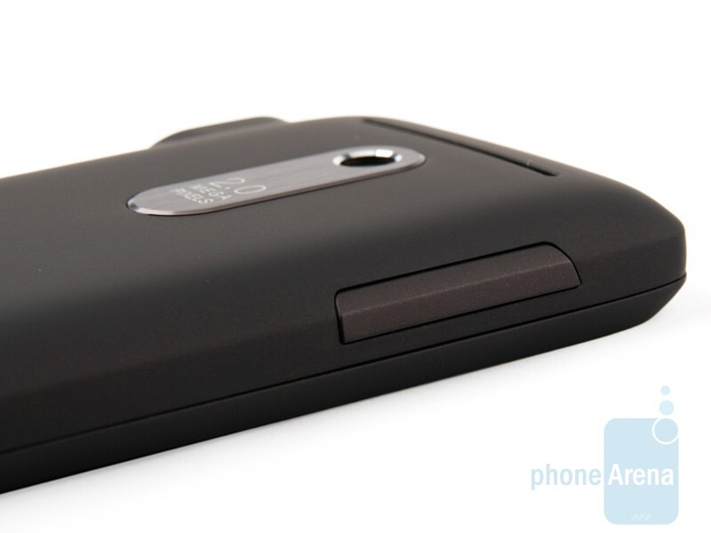 Left side - HTC Snap Review