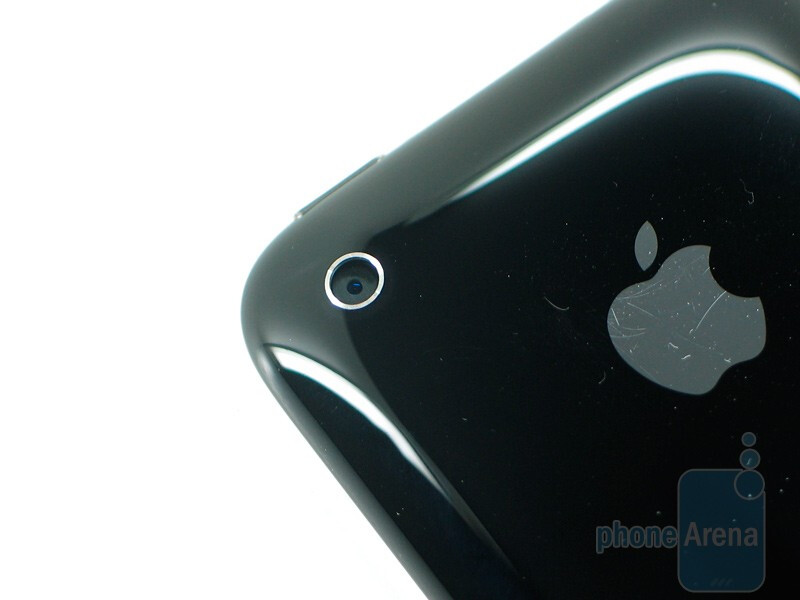 Apple iPhone 3GS looks very similar to the iPhone 3G - Apple iPhone 3GS Review
