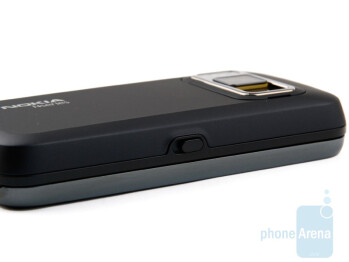 Left side - Nokia N86 8MP Review