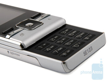 The keypad of Sony Ericsson T715 - Sony Ericsson T715 Preview