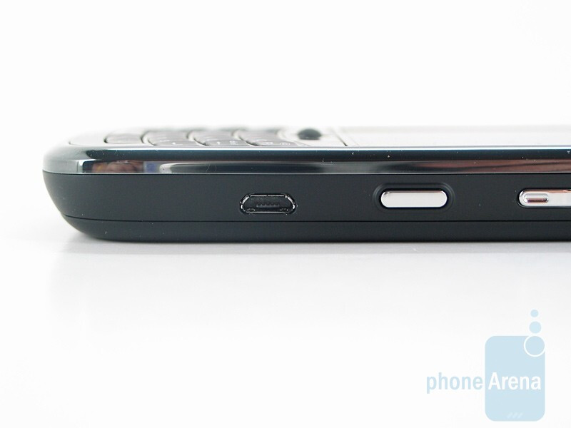 Right side - RIM BlackBerry Tour 9630 Review