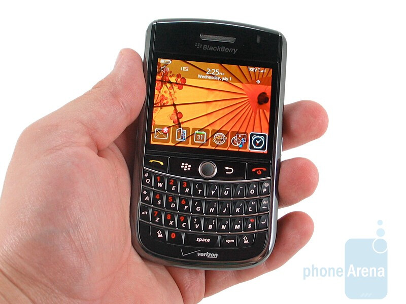 The RIM BlackBerry Tour 9630 looks and feels great - RIM BlackBerry Tour 9630 Review