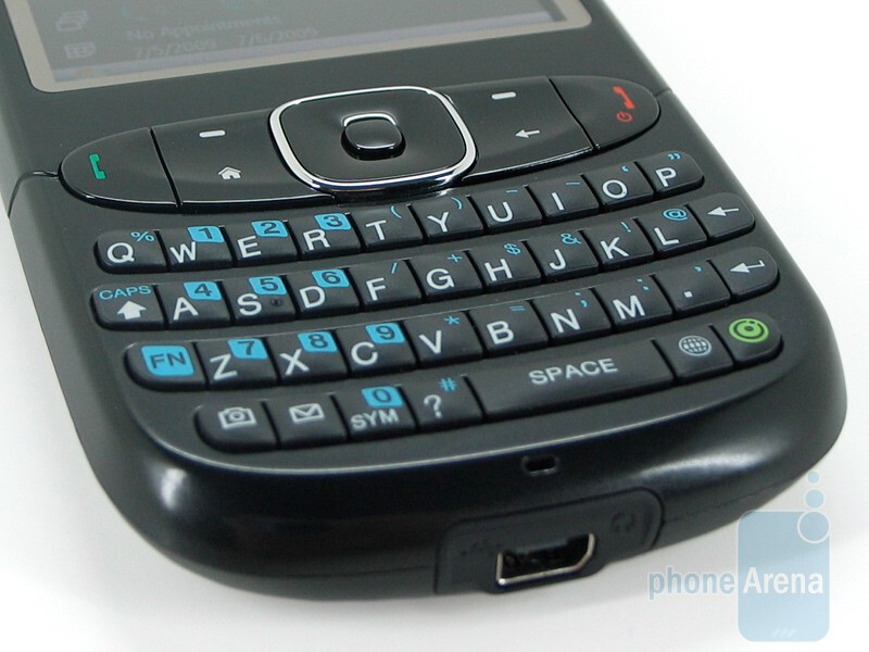 The HTC Snap CDMA has a QWERTY keyboard - HTC Snap CDMA Review