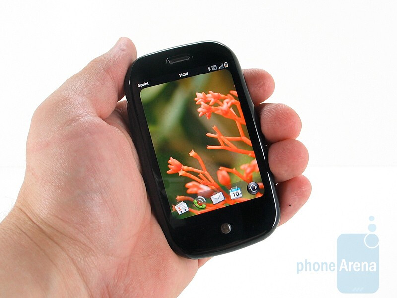 Palm Pre and Apple iPhone 3GS: side by side