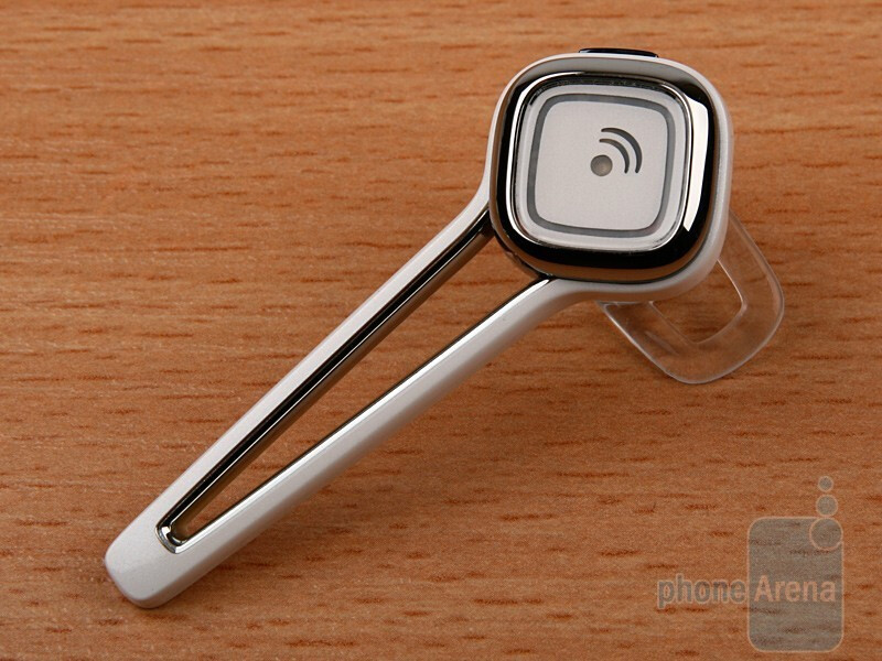 The Plantronics Discovery 925 is stylish and made of metal - Plantronics Discovery 925 Review
