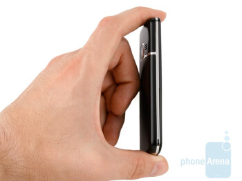 The stylish and neat design of Nokia 6700 classic - Nokia 6700 classic Review
