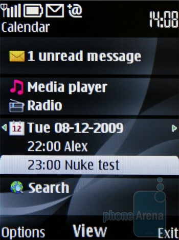 The home screen of Nokia 6700 classic and some of its personalization options - Nokia 6700 classic Review