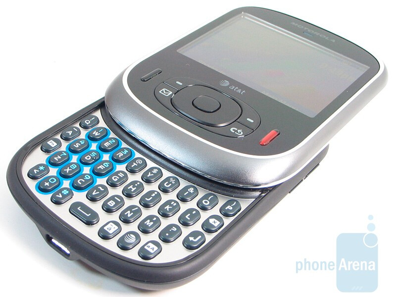 The QWERTY keyboard of the Motorola Karma QA1 - Motorola Karma QA1 Review
