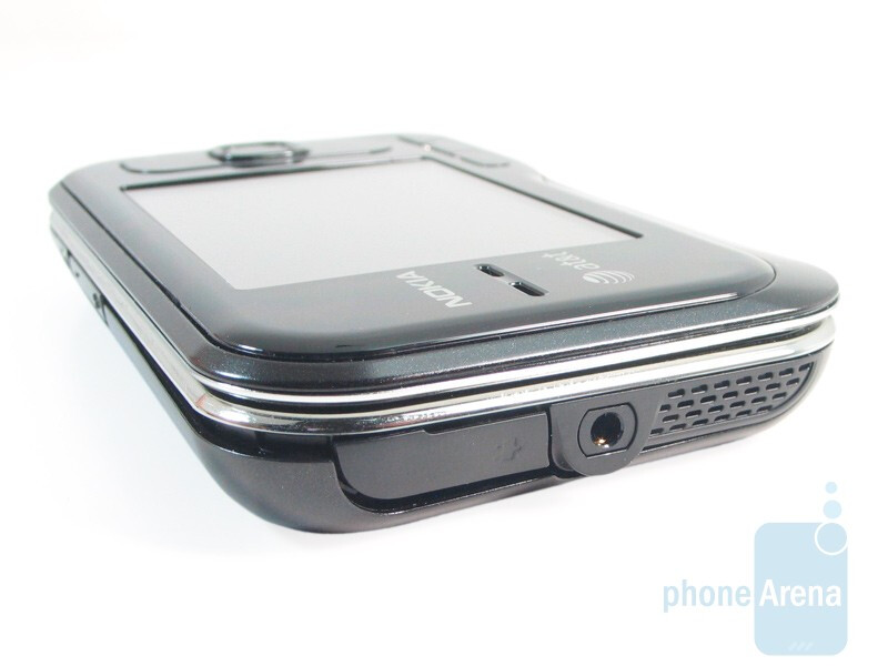 Top edge - Nokia 6790 Surge Review