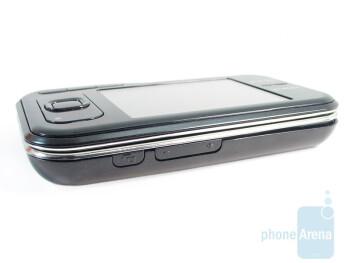 Camera key and volume rocker - Nokia 6790 Surge Review
