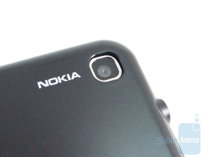 Camera - Nokia 6790 Surge Review