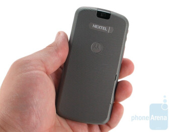 The Motorola Clutch i465 fits comfortably into your hand - Motorola Clutch i465 Review