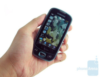 Samsung Highlight gives off a tough plastic feel when held - Samsung Highlight T749 Review