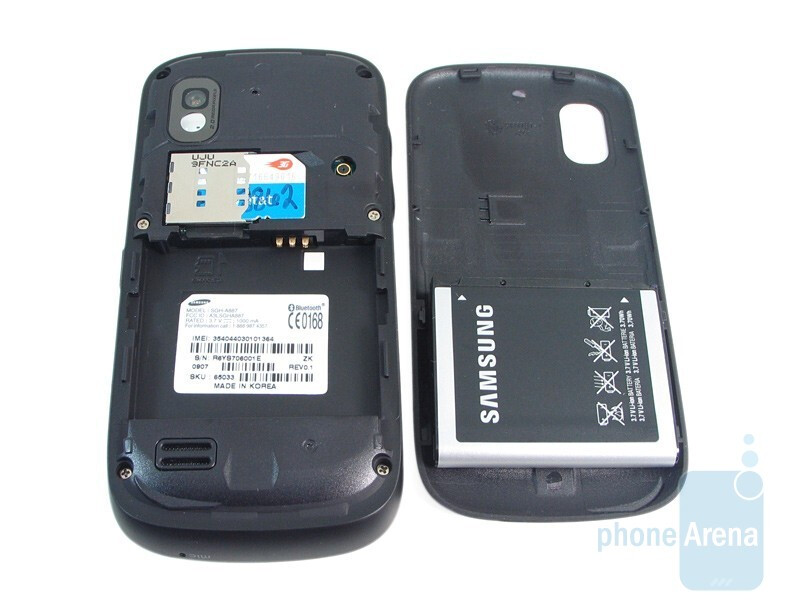 The back with removed cover - Samsung Solstice A887 Review