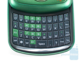 The full portrait QWERTY keyboard of Samsung Reclaim M560 - Samsung Reclaim M560 Review