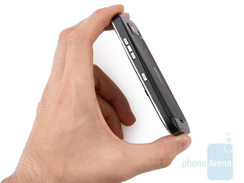 Nokia E55 looks elegant and austere - Nokia E55 Review