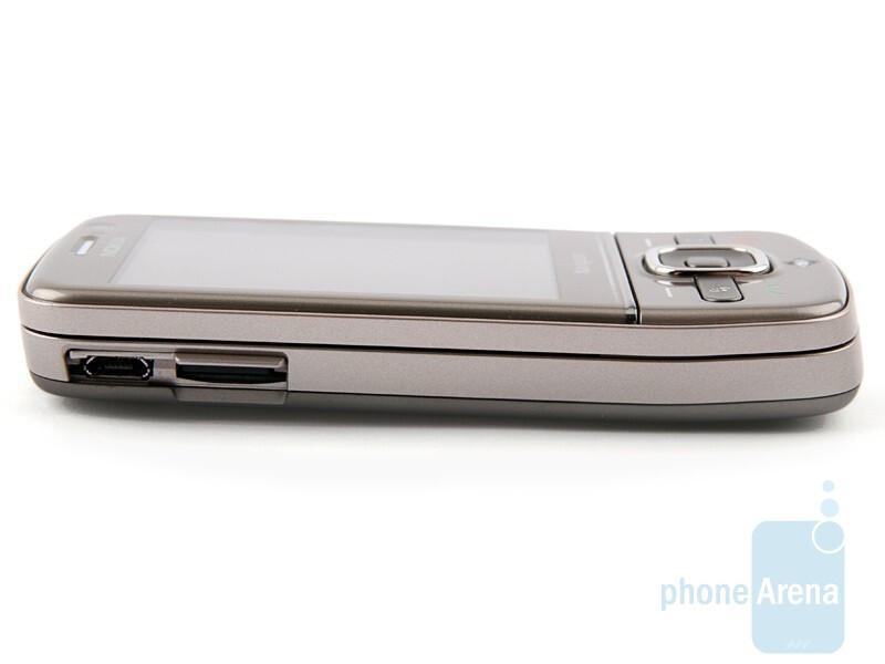 Left side - Nokia 6710 Navigator Review