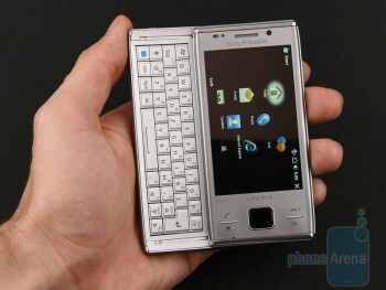 The design of the Sony Ericsson XPERIA X2 features small changes and the manufacturer has staked on retaining the characteristic style of the X1 - Sony Ericsson XPERIA X2 Preview