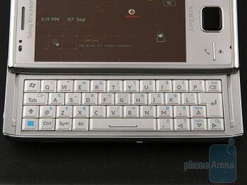 The QWERTY keyboard of the Sony Ericsson XPERIA X2 - Sony Ericsson XPERIA X2 Preview