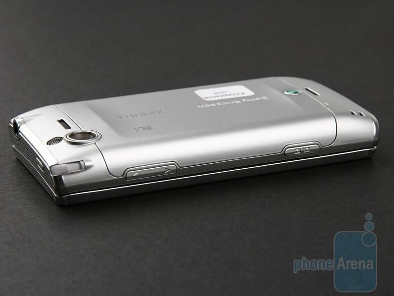 Right - Sony Ericsson XPERIA X2 Preview