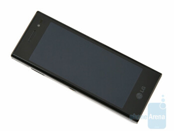 No single button is on the frontof the device - LG New Chocolate BL40 Preview
