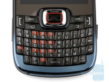 The hardware QWERTY keyboard of the Samsung OmniaPRO B7330 - Samsung OmniaPRO B7330 Preview