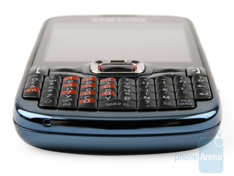The hardware QWERTY keyboardof the Samsung OmniaPRO B7330 - Samsung OmniaPRO B7330 Preview