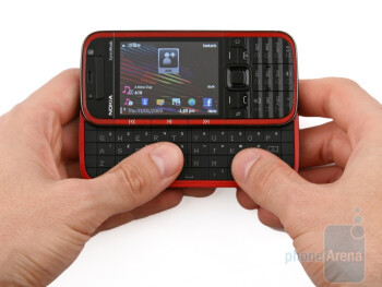 The overall design of the Nokia 5730 XpressMusic is contemporary and youthful - Nokia 5730 XpressMusic Review