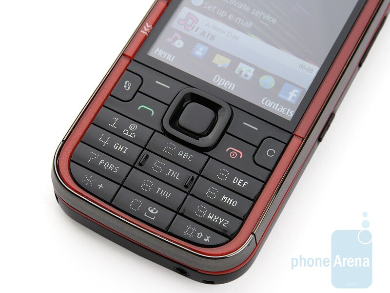 The 2.4 inches screen delivers saturated and beautiful colors, but the navigation buttons are not comfy to use - Nokia 5730 XpressMusic Review