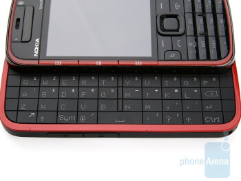 The QWERTY keyboard of the Nokia 5730 XpressMusicis not the best when it comes to speed entry - Nokia 5730 XpressMusic Review