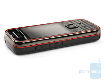 The right, the left and the back sides - Nokia 5730 XpressMusic Review