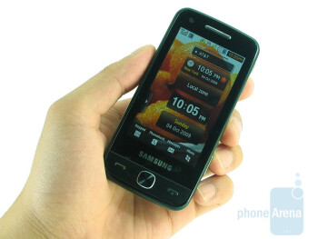 The Samsung Pixon12 M8910 is a tiny bit slimmer than its predecessor - Samsung Pixon12 M8910 Review